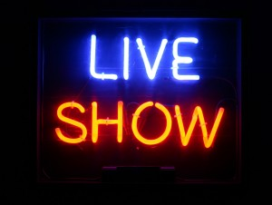 live_show_neon_sign